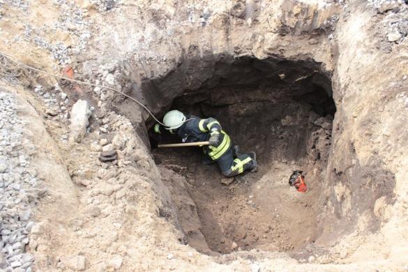 Тіло загиблого черкащанина підняли із завалів на поверхню (ВІДЕО)