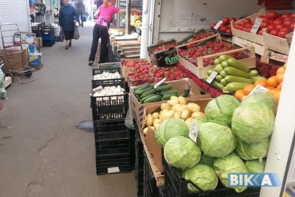 Ягідно-овочевий бум: огляд цін на черкаському ринку