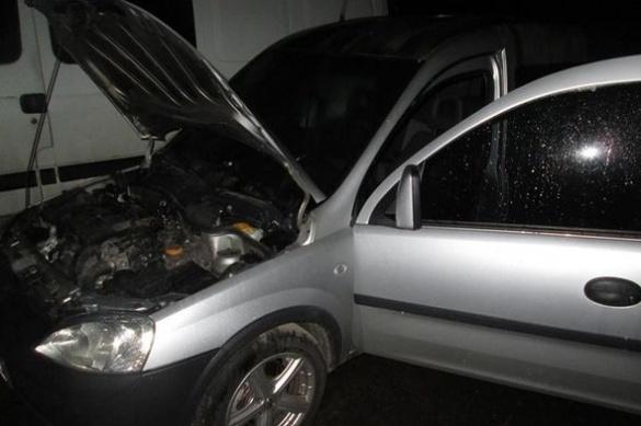 У Черкасах невідомі ледь не спалили автомобіль (ФОТО)