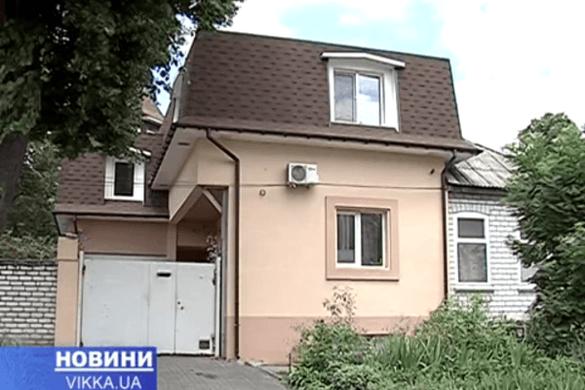У Черкасах сусіди вирішили влаштувати війну за спільне майно (ВІДЕО)