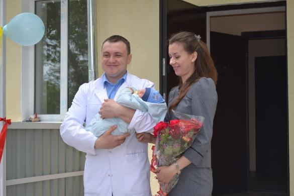 Черкаським лікарям вручили ключі від нових помешкань
