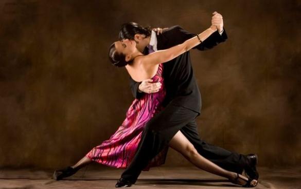 У ТРЦ черкащани запалять в стилі танго