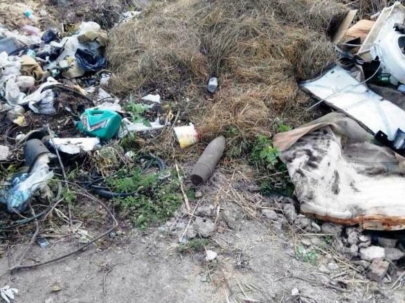 На черкаському сміттєзвалищі комунальники знайшли артилерійський снаряд