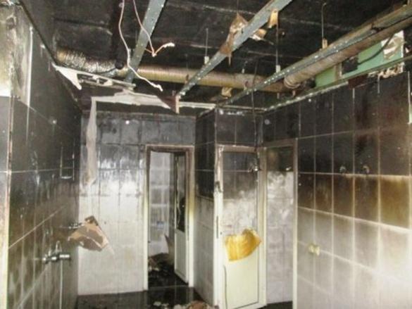 У Черкасах пожежа охопила готельно-розважальний заклад
