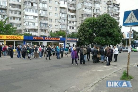 У Черкасах перекрили дорогу через протест стихійних торговців