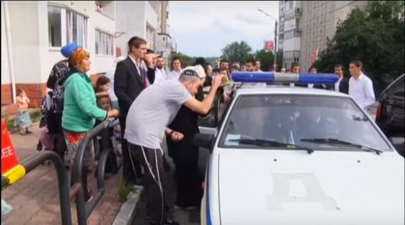 На Черкащині журналісти постраждали від розлючених хасидів зі зброєю (ВІДЕО)