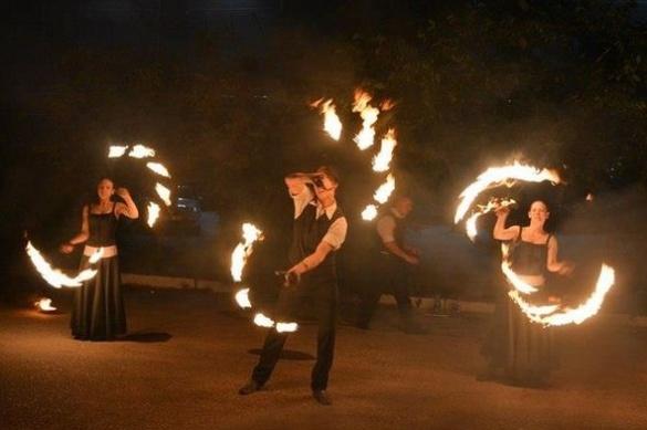 Черкаські екстремали поділилися таємницями приборкання вогню