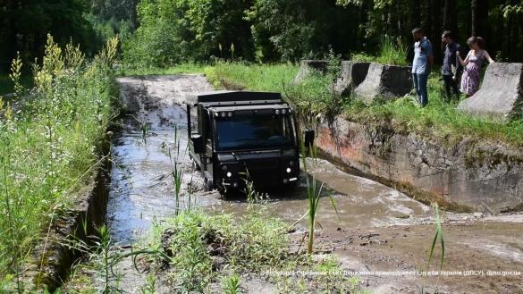 На Черкащині прикордонники влаштували тест-драйв нових авто (ФОТО)