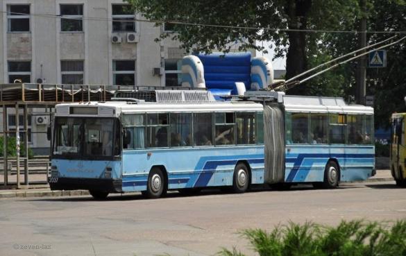 У Черкасах ремонтують унікальний тролейбус (ВІДЕО)