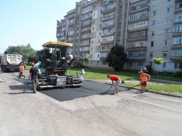 У Черкасах завершують ремонт ще однієї дороги