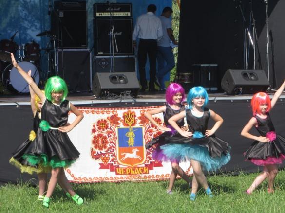 На День молоді черкащани спілкувалися у реальній соціальній мережі (ФОТО)
