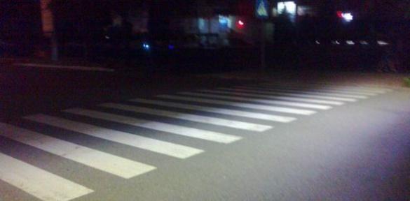 Безпека понад усе. У Черкасах освітлили 60 пішохідних переходів