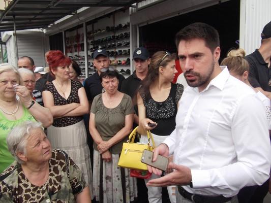 Черкаським стихійникам дали тиждень, аби переміститися на законні місця