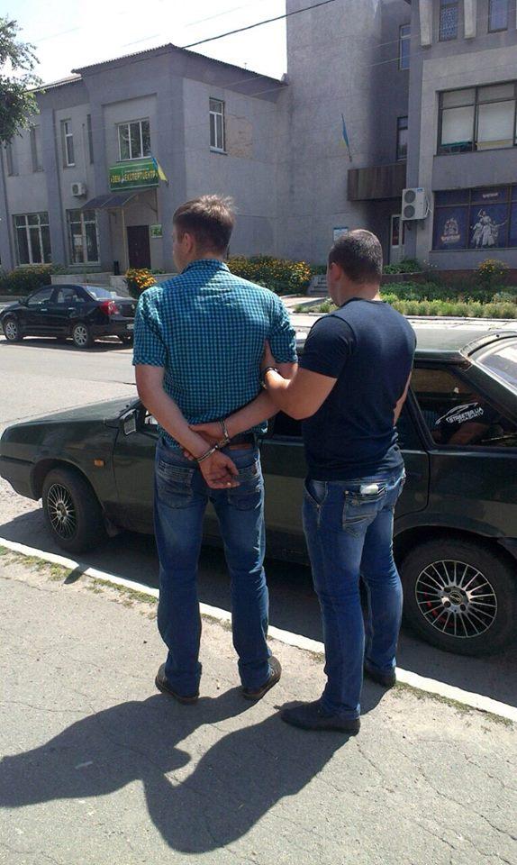 На Черкащині затримали на хабарі заступника начальника слідчого відділу