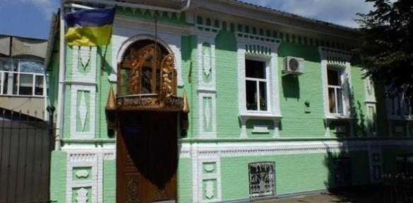 Тут живе казка: журналісти побували за лаштунками Черкаського театру ляльок