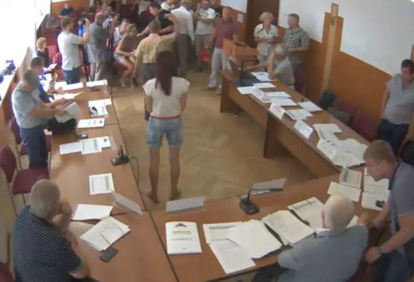 Скандальні підприємці зірвали засідання черкаського виконкому