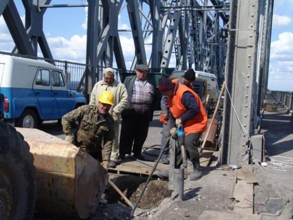 Дорожники розповіли, чи закриватимуть черкаський міст через Дніпро