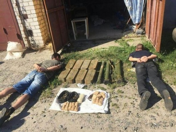 На Черкащині впіймали військових, які займалися торгівлею боєприпасів