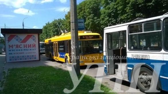 На одній з вулиць Черкас зупинилися тролейбуси (ОНОВЛЕНО)