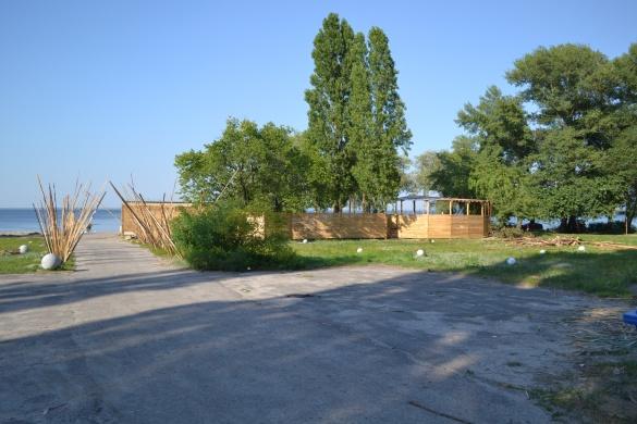 Паркан та платний вхід: у жителів Черкас хочуть відібрати пляж (ФОТО)
