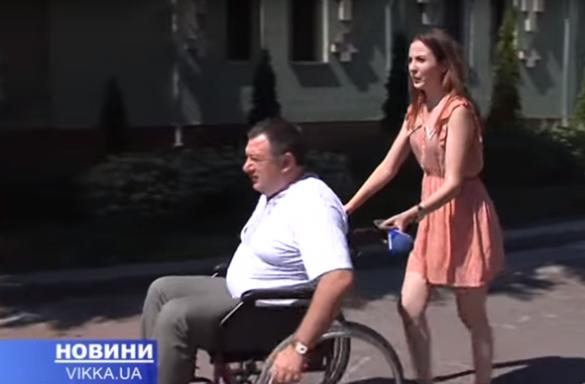 Секретар міськради перевтілився в інваліда, щоб перевірити церкви (ВІДЕО)