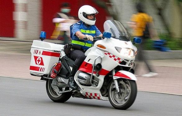 Черкащанин пропонує лікарям швидкої пересісти на мотоцикли