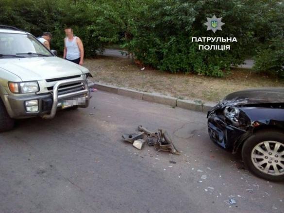 На вулиці Сержанта Смірнова водій Infinity QX4 спричинив ДТП