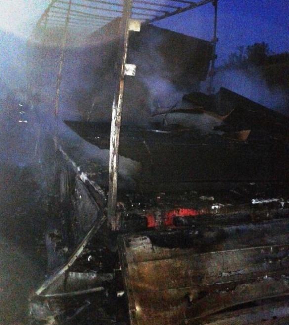 На Черкащині під час руху загорілася вантажівка (ФОТО)