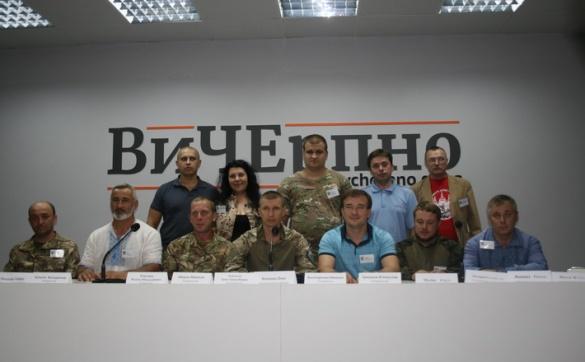 Трьох черкаських депутатів нагородили за звільнення полонених на Донбасі