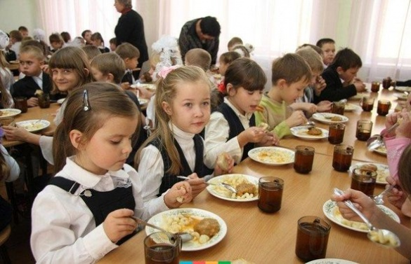 Яких черкаських школярів будуть безкоштовно харчувати?