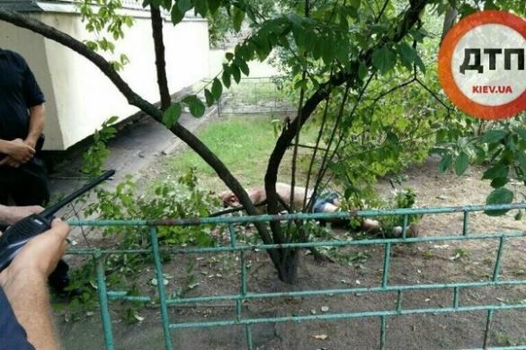 Черкащанин розбився насмерть, вистрибнувши з балкону багатоповерхівки в Києві