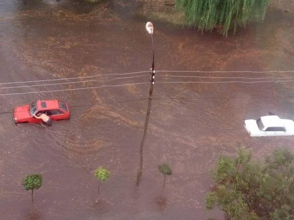Наслідки зливи: черкащани у мережі повідомляють про знайдені автомобільні номери