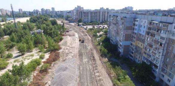 У Черкасах продовжується капітальний ремонт вулиці Героїв Дніпра (ВІДЕО)