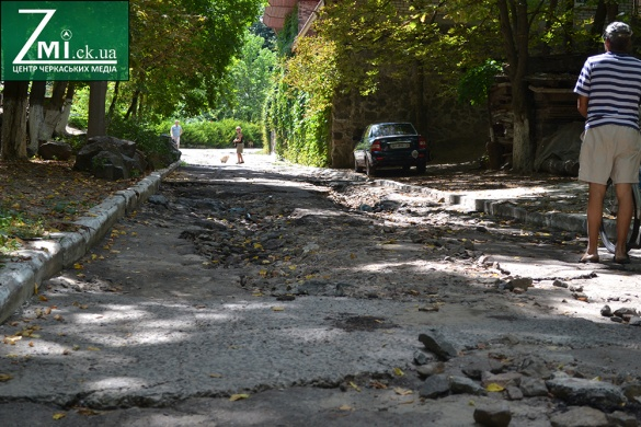 Після зливи спуск до Дніпра у Черкасах став майже непроїзним (ФОТО)