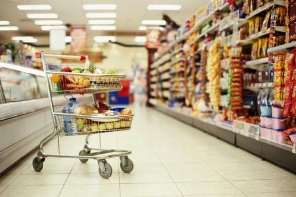 У двох із десяти черкаських супермаркетів покупців обслуговують російською