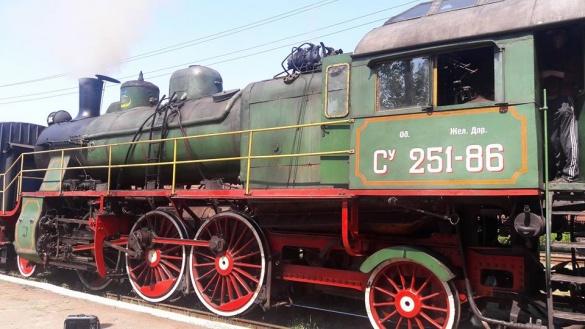 Як ретро-потяг приїжджав до Черкас (ВІДЕО)