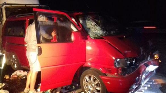 На Черкащині сталася жахлива ДТП за участі вантажівки та маршруток (ФОТО, ВІДЕО)