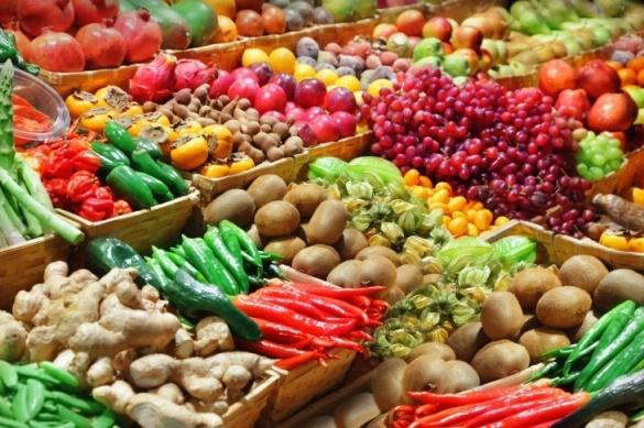 Фахівці перевірили овочі та фрукти на черкаських ринках на вміст нітратів