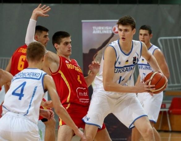 Черкасець увійшов у топ-5 кращих гравців юніорського Євробаскету