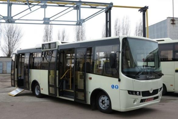 Відтепер жителі столиці користуються черкаськими автобусами