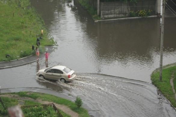 Черкаський чиновник обіцяє нову дорогу замість