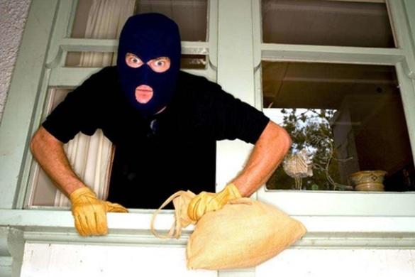 У Черкасах зухвалі грабіжники навідуються в один будинок по кілька разів