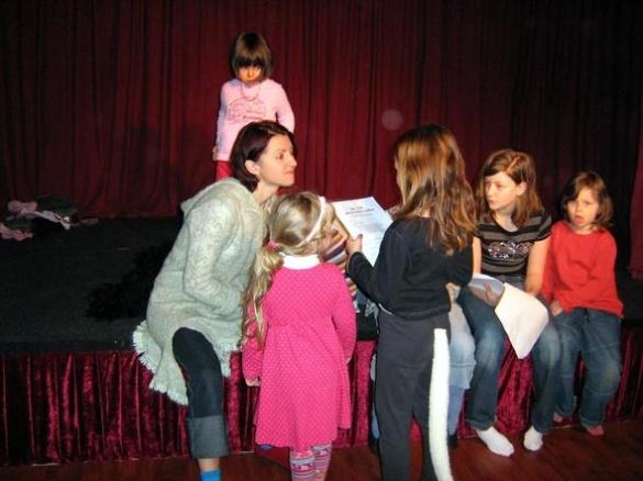 Черкащанка в Берліні заснувала цікавий дитячий театр