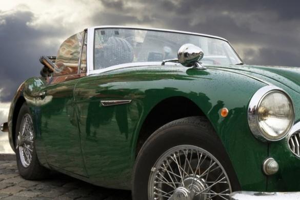 ТОП-5 розкішних ретро-автомобілів, виставлених черкащанами на продаж