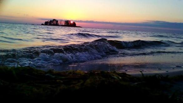 У мережі показали фантастичну красу світанку на черкаському Дніпрі (ФОТО)