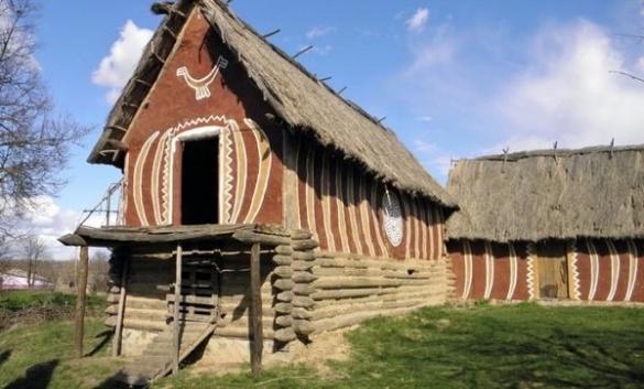 На Черкащині туристам пропонують пожити в умовах енеоліту