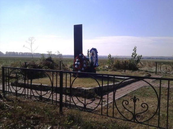 На Черкащині вандали викрали огорожу із братської могили