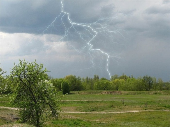 У Черкасах та на території області оголосили штормове попередження