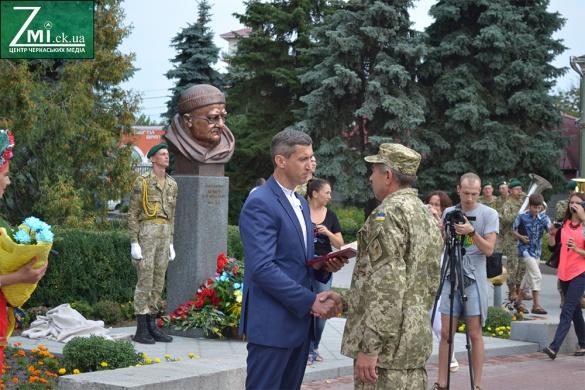 Відкриття та нагороди: як у Черкасах відзначають День Незалежності (ФОТО)