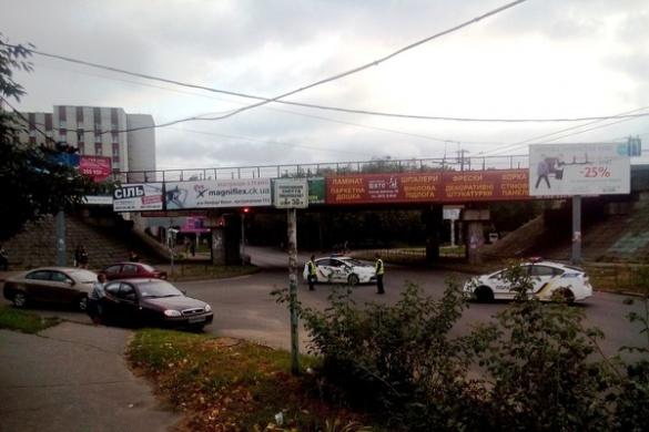 Невідомий у День Незалежності повідомив поліцію про мінування мосту у Черкасах